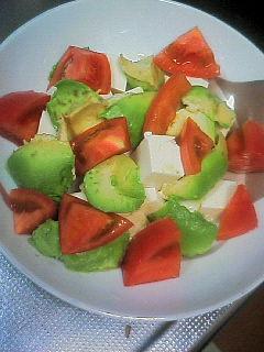 美肌とダイエットに♪アボガド豆腐サラダ♪