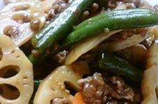 レンコンと挽き肉の炒め物