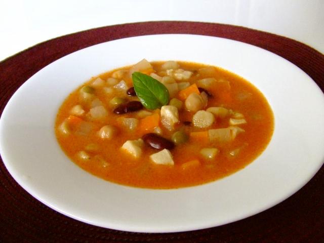 根菜とお豆のコロコロトマトミルクシチュー