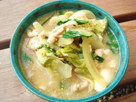 鶏皮でぷるぷる❤ぽかぽか❤もつ鍋風スープ