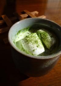 ふわふわマシュマロの抹茶ラテ