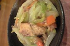 白菜と鯖の水煮缶炒め