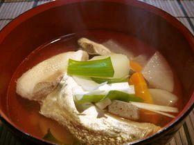あっさり旨い☆鮭のアラ汁〈塩味〉