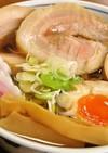 ラーメンの叉焼(チャーシュー麵)と煮玉子