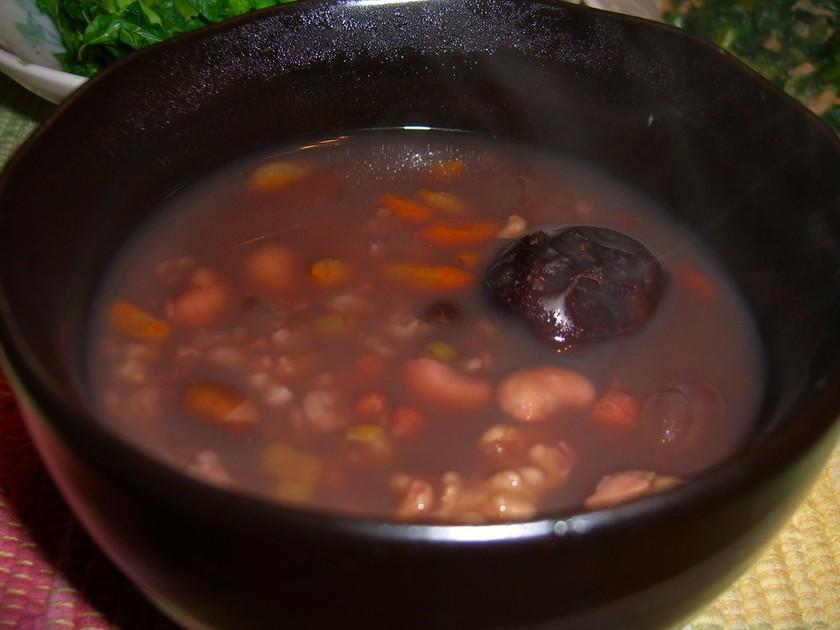 いろいろ豆と雑穀のお粥(八宝粥)