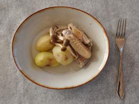 鶏手羽とジャガイモの蒸し煮