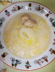 コラーゲンたっぷり白菜と鶏肉の豆乳スープの写真