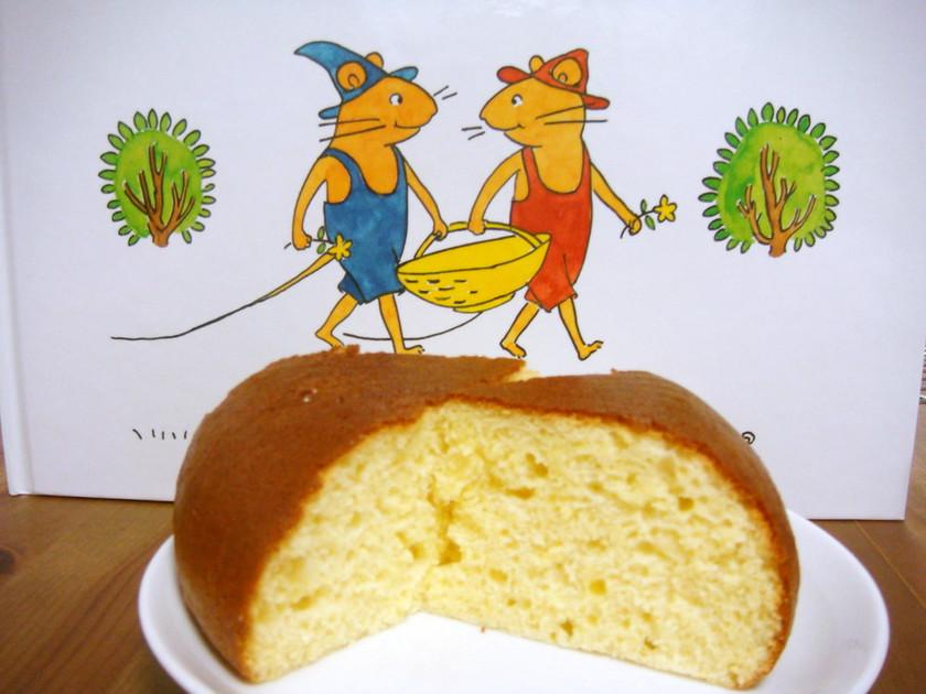 ぐりとぐらのケーキ(炊飯器使用)