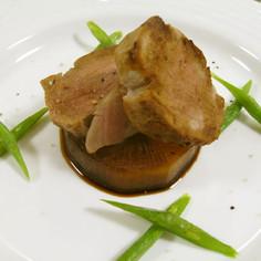豚ヒレのソテー大根ステーキ添え