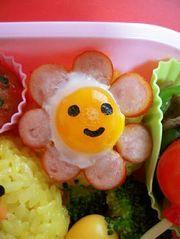 ウィンナーとうずら卵のお花☆お弁当おかずの写真