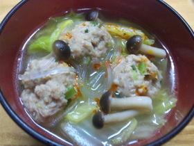 ふっくら肉団子と白菜のスープ