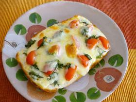 トマトと大葉のチーズトースト