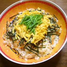 煮て混ぜるだけの簡単美味しい♡ちらし寿司