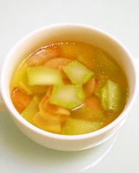 ブロッコリーの茎のコンソメスープ