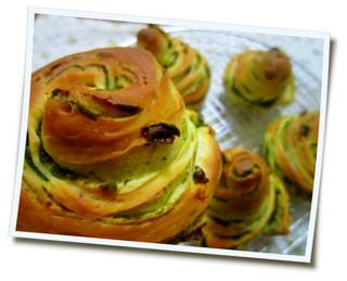 抹茶巻き巻きパン
