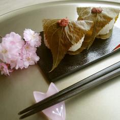 お花見に❀桜もちのようなおむすび❀