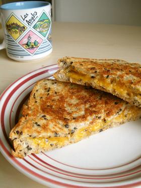 アメリカ☆グリルドチーズサンドイッチ