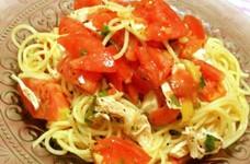 ささみとトマトでニンニク香る冷製パスタ