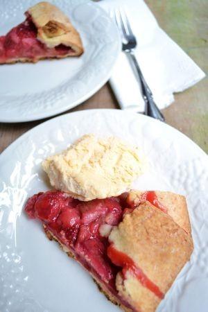 ルバーブとイチゴのパイ