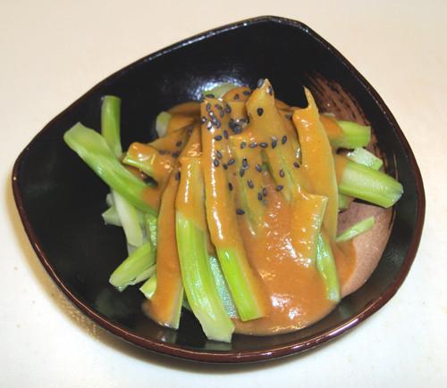 ブロッコリーの茎の酢味噌和え