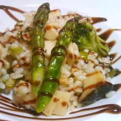アスパラガスとたっぷり野菜のリゾット