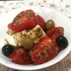 トマトと豆腐のバジルサラダ
