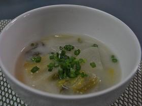 白菜の漬物で粕汁風。