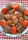 鶏とコンニャクと人参の煮物