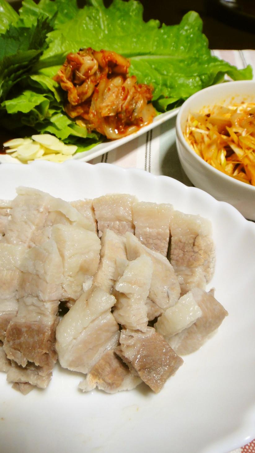 野菜たっぷり!簡単韓国料理茹で豚ポッサム