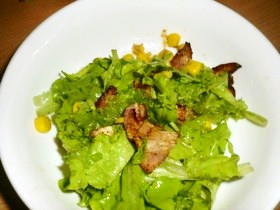 ベーコンとリーフレタスのサラダ