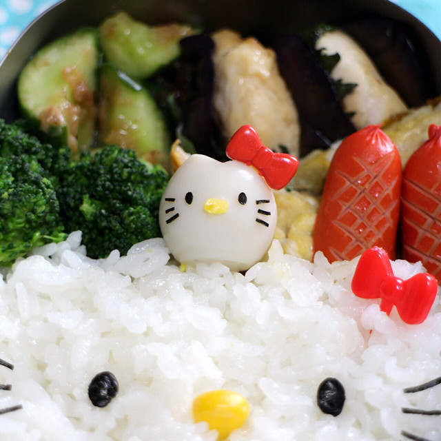 キャラ弁おかず*うずらの卵でキティちゃん