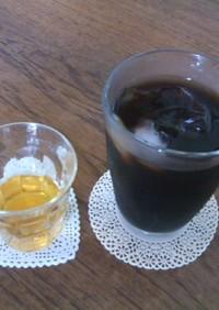 琥珀色のコーヒー用シロップ