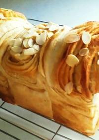 自家製キャラメルシートで✾折り込み食パン