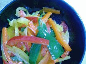 野菜をおいしく:3色ピーマンのマリネ