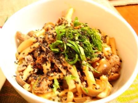 ピリ辛☆肉ときのこの冷やし麺