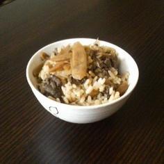 牛肉とごぼうのご飯