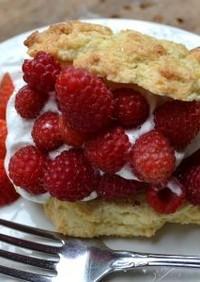 イチゴとラズベリーのショートケーキ