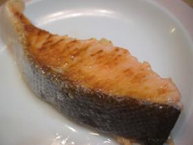 簡単!洗い物も楽々(^○^)鮭 焼き方