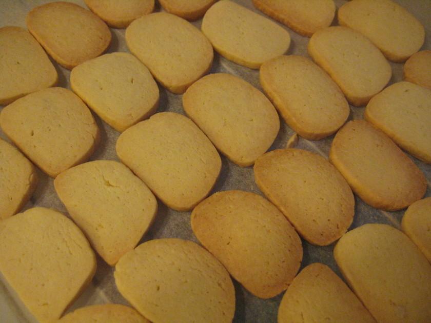 バター少なめのとってもシンプルクッキー