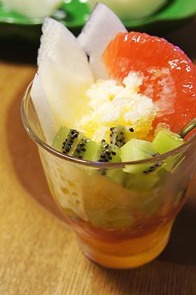東亜風かき氷!フルーツでアイスカチャン