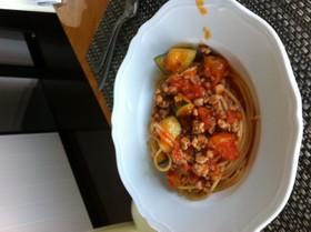 絶品!ズッキーニとひき肉のトマトパスタ!