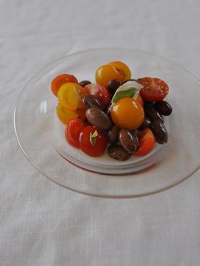 うずら豆とトマトのサラダ