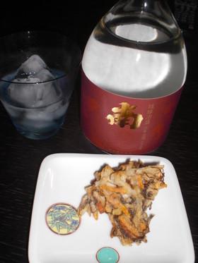 塩で食べるもずくの天ぷら