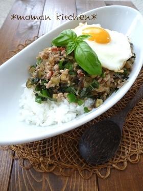 ガパオ風♡ひき肉と春雨のバジル炒めご飯