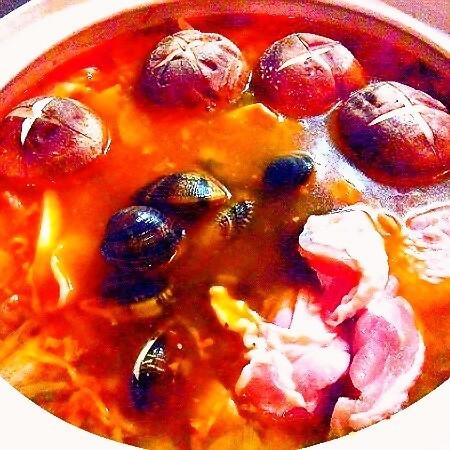 至高の味!秘伝スープの特製キムチ鍋