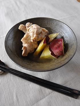 さつまいもと鶏手羽のはちみつしょうゆ煮