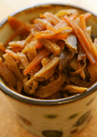 醤油とゴマ油だけの切干大根の煮付け