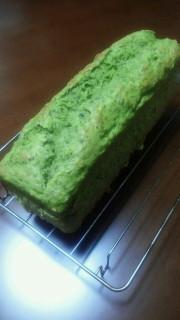 栄養たっぷり!小松菜パウンドケーキの写真