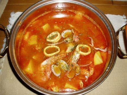 魚介たっぷり♪トマト風味のブイヤベース♪