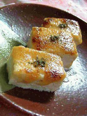 お豆腐の、みそマヨ田楽。